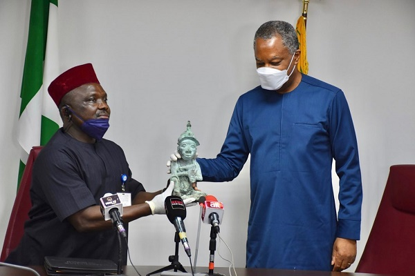 PHOTOS: FG receives stolen Ile-Ife artifact from Mexico