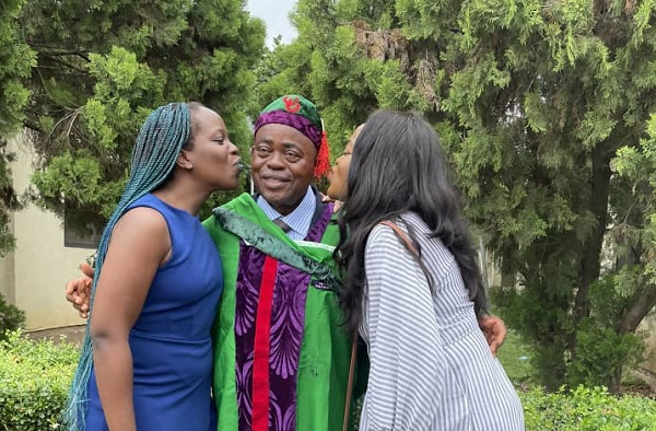 SPOTLIGHT: With 2:1 CGPA rating, Nigerian dad aces undergraduate degree at 67
