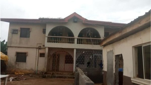 Viral Lagos amputee hawker buys N17.5m house