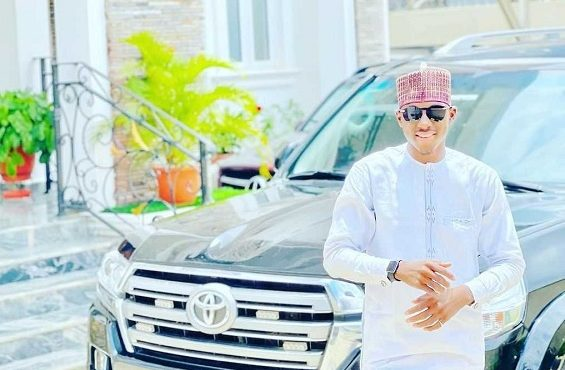 DCP Kyari's brother deletes ALL photos on IG page —…